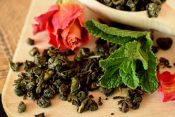 rose mint toner tea how to make customize hydration mist DIY Toner